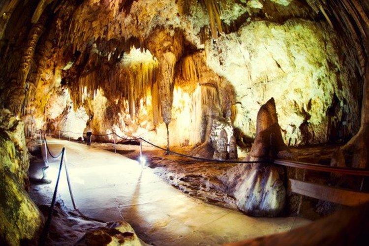 Bezienswaardighied Andalusië - grotten van Nerja - cuevas de Nerja