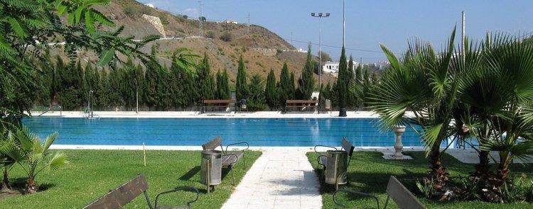 el-borge-andalusie-vakantiehuis-gemeentelijk zwembad