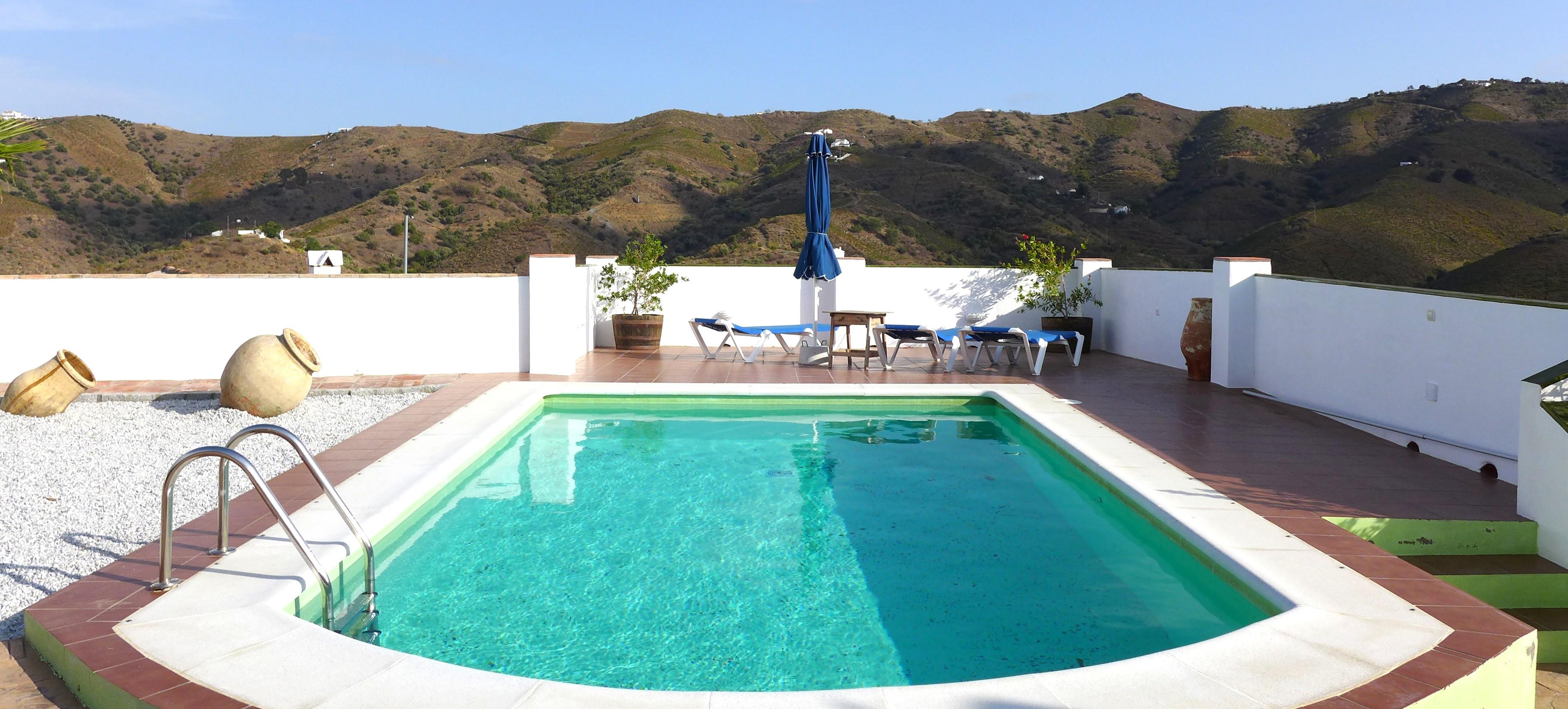 vakantiehuisje-natuur-rust-zoekers-andalusie-binneland-zuid-spanje zwembad