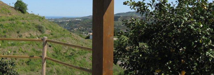vakantiehuisje-andalusie-zwembad-zuid-spanje uitzicht zee