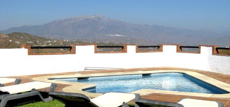 vakantiehuis-zuid-spanje-zwembad-wifi-almachar-axarquia-natuur
