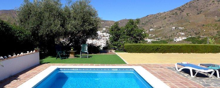vakantiehuis Olivo Grande met zicht op El Borge in Andalusië