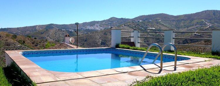 Villa bij Iznate in bijzonder landschap in Andalusië