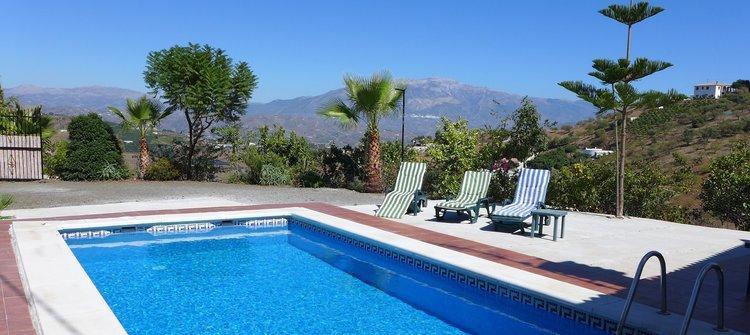 villa-iznate-andalusie-zuid-spanje-zwembad-wifi-loopafstand-dorp