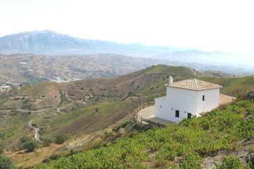 Lagar Santana - landhuis Andalusië in kloosterstijl, in natuur, Zuid Spanje