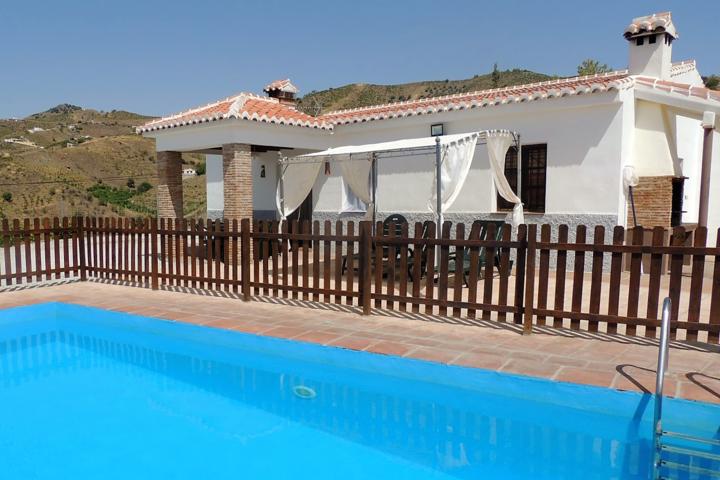 Casa Payu - vakantiehuis Andalusie zicht op Axarquia tot zee Zuid Spanje