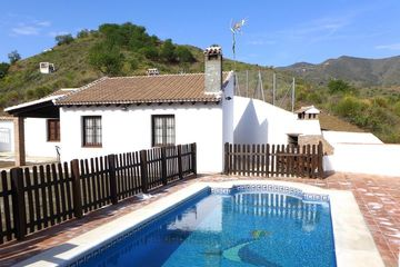 Casa Palma - vakantiehuis in echt Andalusië omheind zwembad+wifi